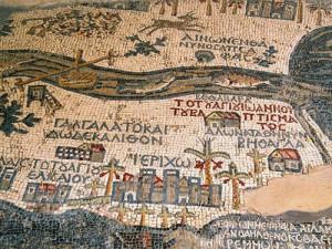 Mosaïque du VIe siècle représentant la Terre sainte, découverte au XIXe siècle lors de la construction de l'église grecque-orthodoxe de Madaba.