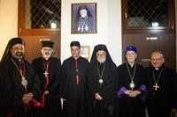 Les patriarches (de droite à gauche) Louis Raphaël Sako (chaldéen), Nerses Bedros Tarmouni (arménien), Grégoire Lahham (grec catho), Boutros Raï (maronite) et Ignace Youssef Younan (syrien)