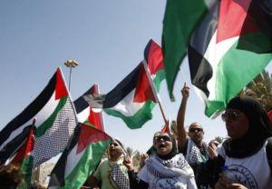 307523-israeliens-palestiniens-et-etrangers-manifestent-pour-l-independance-de-la-palestine-a-jerusalem-est